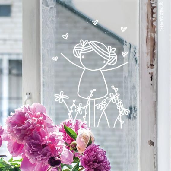 Hiep hoi, het is lente! Teken deze lieve meid raamtekening op je raam om het fijne gevoel te vieren.
