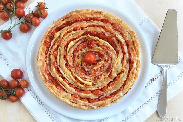 Torta salata a spirale, scopri la ricetta: http://www.misya.info/2015/07/31/torta-salata-a-spirale.htm