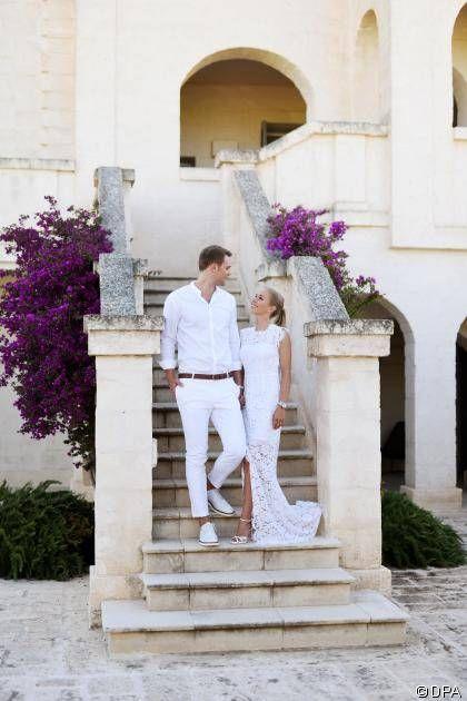 News: Manuel Neuer und Nina Weiss: Traumhochzeit auf Krücken: In einer Kirche in Italien gaben sich der Fußballer und seine Freundin das Ja-Wort - http://ift.tt/2sqljkz #nachrichten