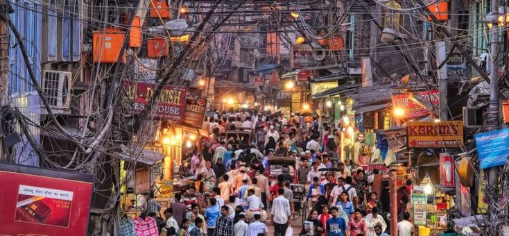 #ChandniChowk is one of the oldest and busiest markets in Old Delhi, India. It is the perfect place to #shop in. This densely populated #market has been around for more than three centuries and was once visited by merchants from Turkey, China and even Holland. #delhi #delhidiaries #shopping