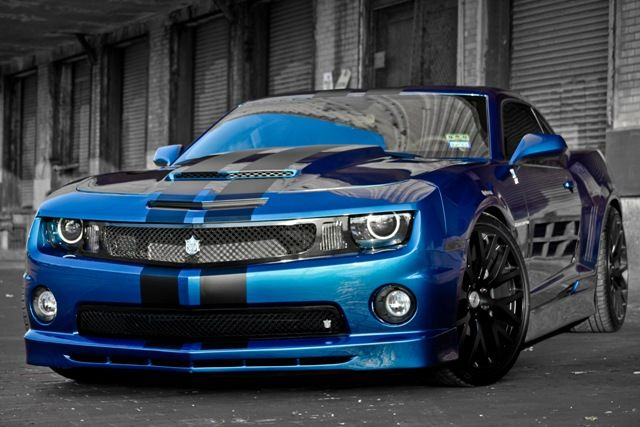 This is blue I want for the stripes on my white one....with shinier rims