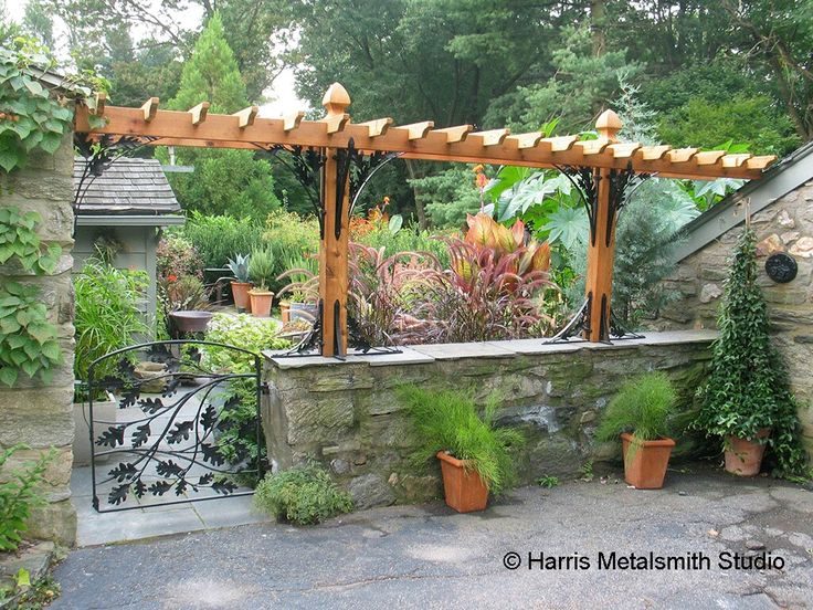 17 best images about sheds greenhouses and gardens on for Craftsman style trellis