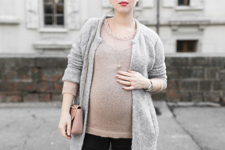 Gorgeous outfit with our DUO Angel Caller necklace by Pauline from the blog PaulineFashionBlog