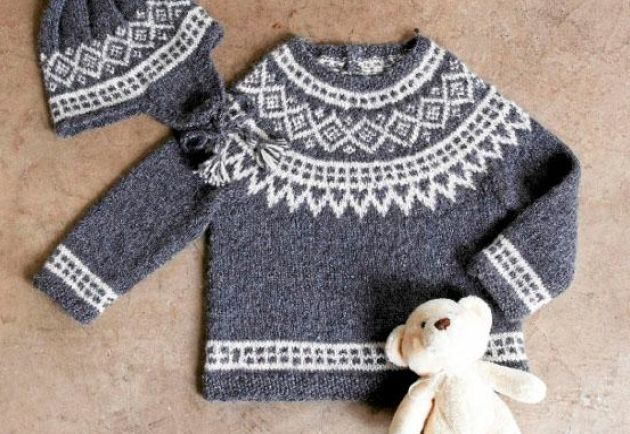 Sticka en klassisk tröja och mössa med ok – ett mjukt paket till babyn 62abbaeb48fa4