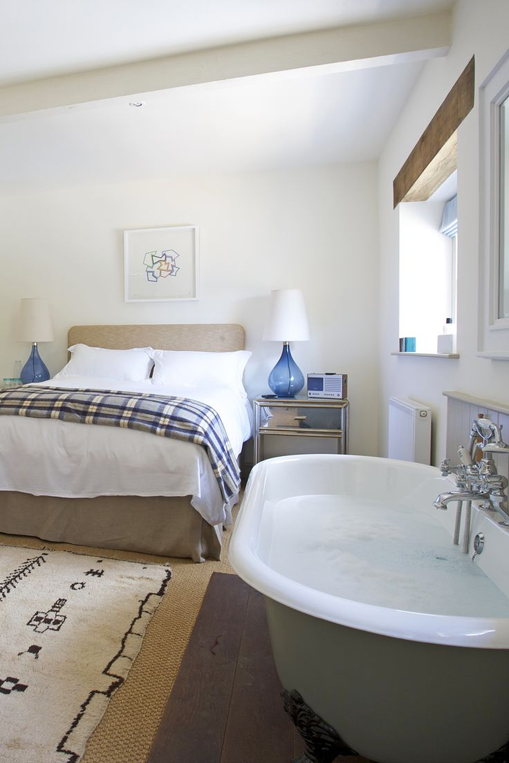 The Beckford Arms, Tisbury, Wiltshire, UK. Boutique country pub hotel. i-escape.com