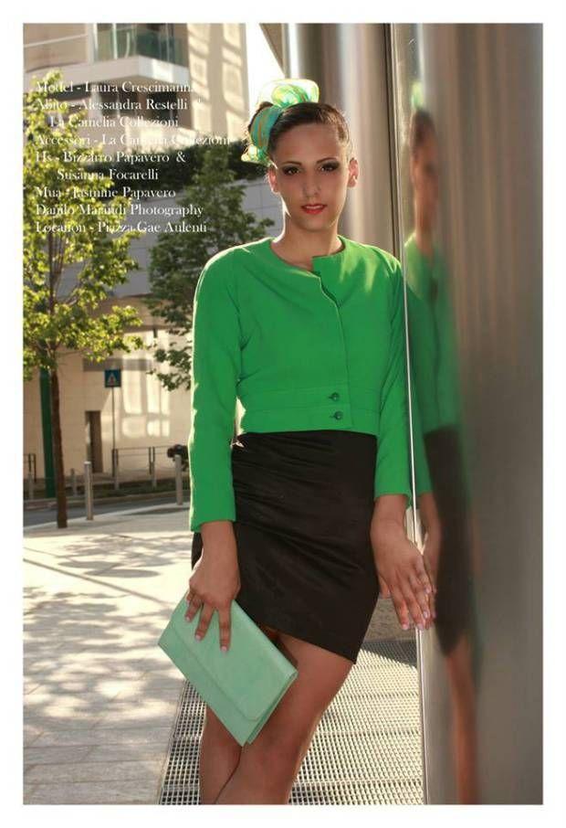 giacca corta verde menta con minigonna in raso di seta - pochette verde tenue Pfister - la camelia collezioni