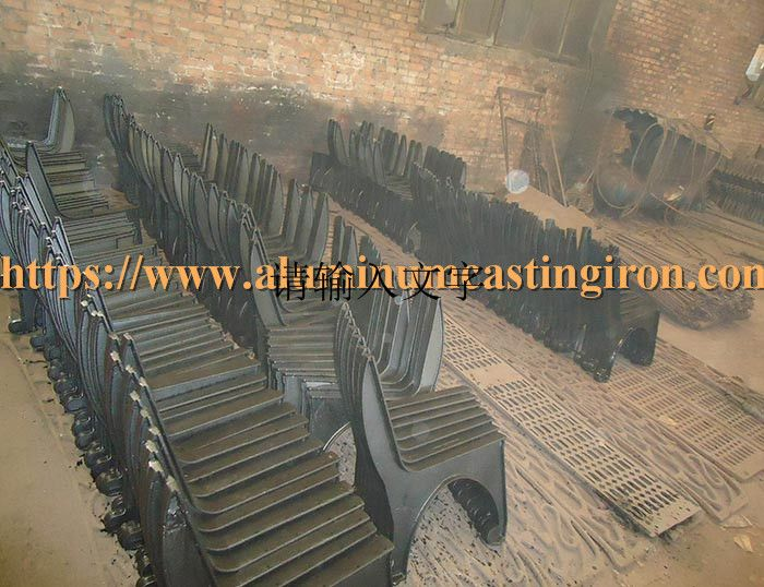 Benchlegs Bench Ductileiron Park Water Compared To Cast Iron Bench Legs Cast Aluminum Is More Expensive But Light In 2020 Cast Iron Bench Iron Bench Ductile Iron
