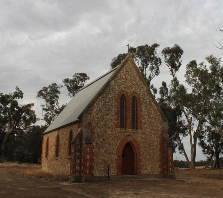 Carapooee - St Peter's Anglican Church, a Victorian Early English Gothic style church was built with locally sourced white quartz pebble walls. The first service was in 1870, and it was officially opened in 1874 and is still in use.