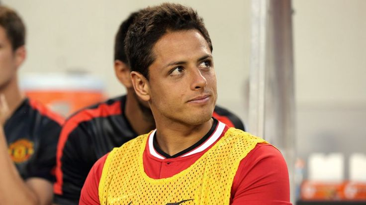 CHICAGO, UNITED STATES - JULY 29:  Javier Hernandez of Manchester United back on with the team after being with Mexico at the International Champions Cup match between Manchester United and Paris Saint-Germain at Soldier Field on July 29, 2015 in Chicago, Illinois.  (Photo by Matthew Ashton - AMA/Getty Images)