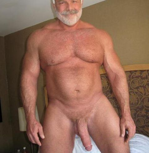 Older Dad - Hombres Maduros
