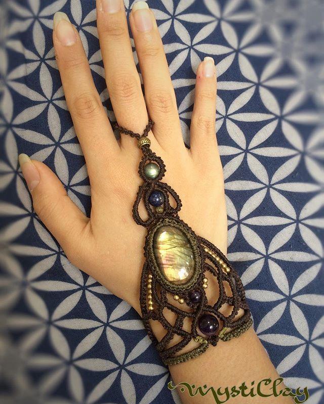 """Butterfly""  Super shiny Labradorite with Lapis, Amethyst and labradorite beads.  It's 100% Made in Love ❤  オーダーメイド受付中です。今ならタロットリーディングがついてきます。  #macrame #ringbracelet #bracelet #labradorite #gypsywitch #powerstone #ordermade #gypsy #witch #goddess #healing #butterfly #fantasy #game #magician #マクラメ #マクラメ編み #ブレスレット #リングブレスレット #ファンタジー #ラブラドライト #ヒーリング #ジュエリー #tarot #freereading #タロット #無料占い"