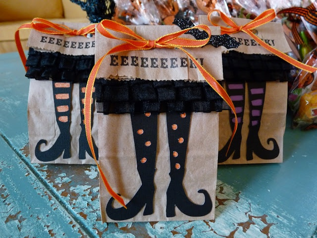 Halloween witch treat bags from raspberry ruffles these for Easy halloween treats for work party