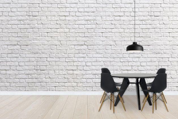 witte bakstenen muur: behang + schouw verven