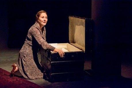 """""""Η ΠΡΟΙΚΑ"""" της Μπέττυς Μαγρίζου @ Θέατρο Σοφούλη"""