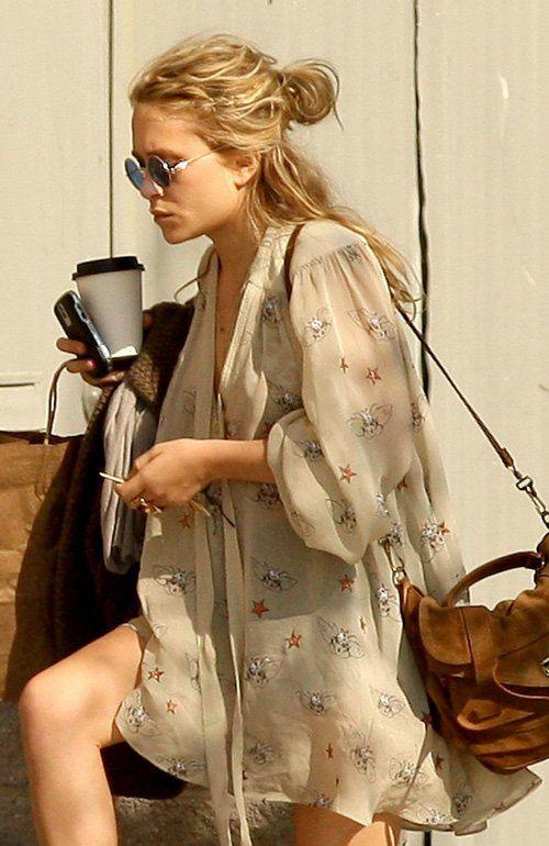 Mary Kate Olsen - oversized shirt                                                                                                                                                                                 More