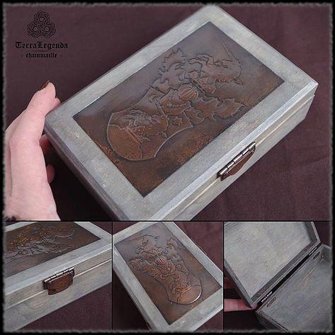 Antik díszdoboz, családi címerrel | TerraLegenda - egy korokon átívelő utazás #címer #díszdoboz #réz #kézműves #box #copper