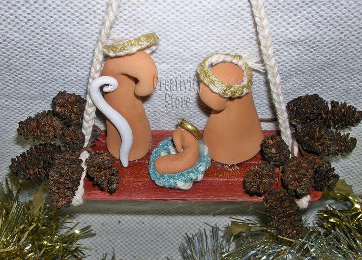 Sacra Famiglia stilizzata in terracotta su pendente : Arte della ceramica di creativity-store