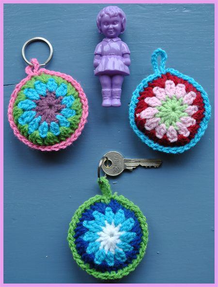 Crochet keyring ༺✿ƬⱤღ  https://www.pinterest.com/teretegui/✿༻