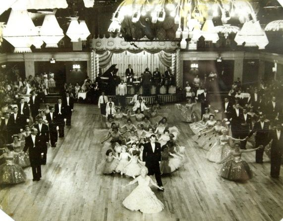 the grafton nightclub and ballroom liverpool england... Almost like the nightclubs today. Turn back time?!