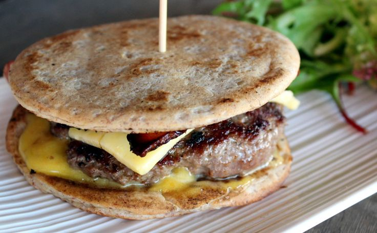 skinnymixer's American Style Burger Patties   Cook 10 mins Total 10 mins   Author: skinnymixer's Type: Low Carb Cuisine: American Serves: 6 Ingredients 500 g beef mince 1 tsp onion powder ½- 3/4 tbsp salt (if youre using himalayan stick to ½ tbsp) Directions Put beef mince, onion powder and salt in to mixer bowl...Read More »