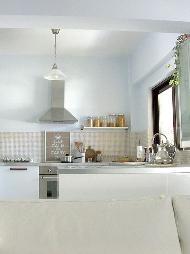 10 Smart Small Kitchens