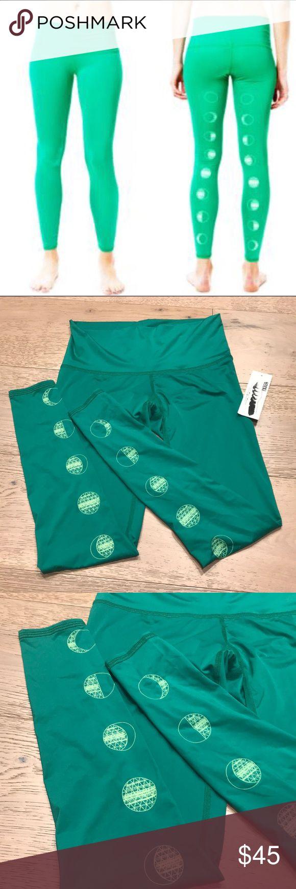 TEEKI YOGA PANTS GREEN MOON BNWT s: SMALL TEEKI YOGA PANTS GREEN MOON BNWT s: SMALL BRAND NEW IN PERFECT CONDITION !! 🌔 teeki Pants Leggings