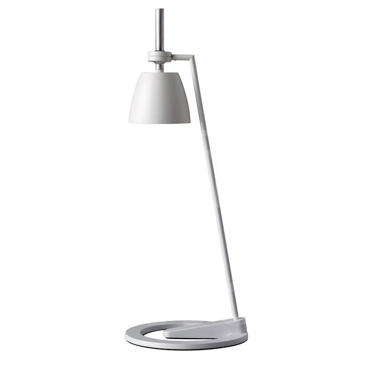 Ontwerp: Hidenori Kuge. Verstelbare tafellamp Takeru van Lightyears is uitgevoerd in witte lak met accenten in chroom. 57,5 cm hoog. Continue reading →