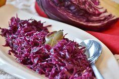 Czerwona kapusta zasmażana - Pełnia Smaków Pyszny i prosty dodatek do dań obiadowych. Polecamy, aby czerwona kapusta zasmażana zagościła na waszych stołach!
