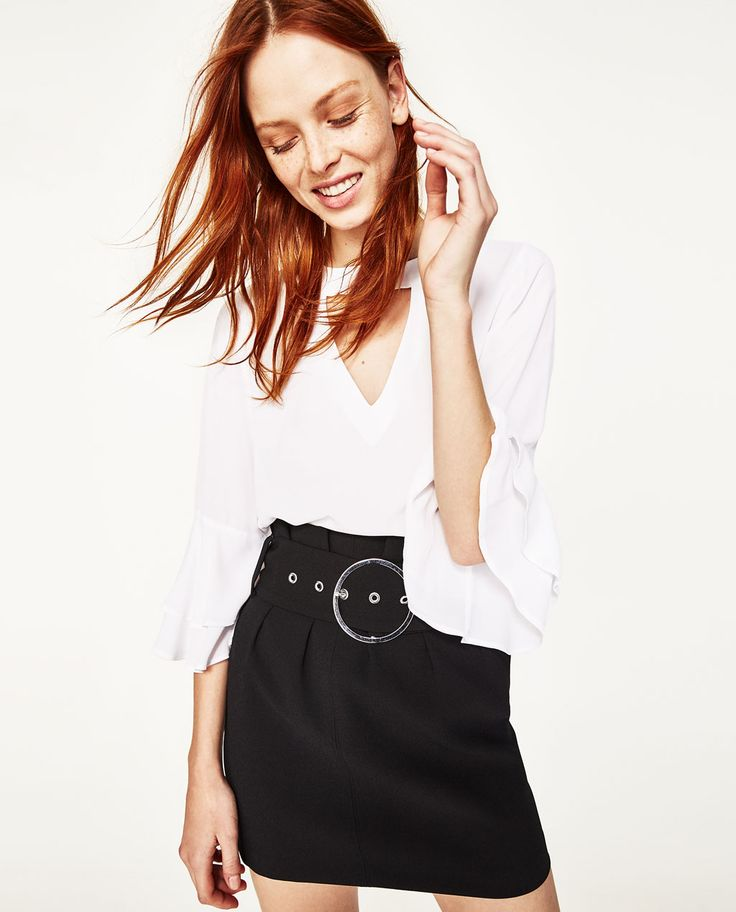 Image 2 of BLOUSE WITH FRILLED SLEEVE from Zara
