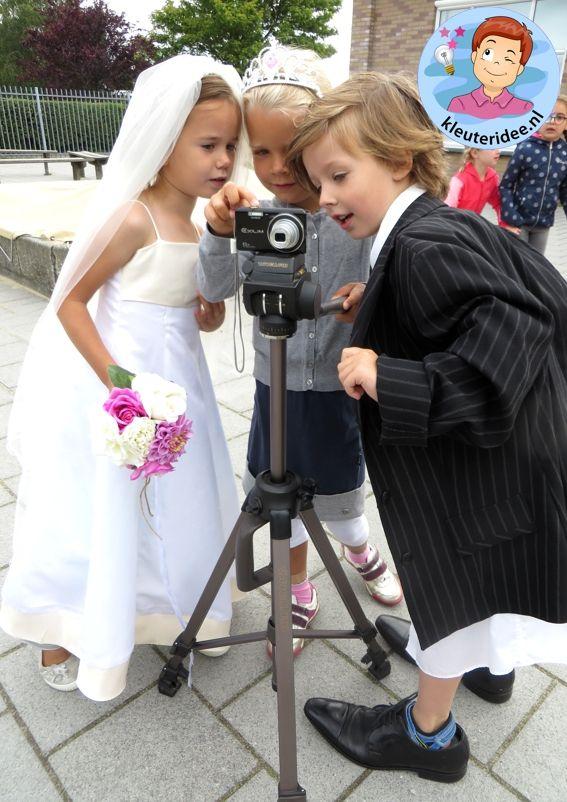 Kleuters maken een trouwreportage van elkaar 6, kleuteridee.nl, thema fotograaf…