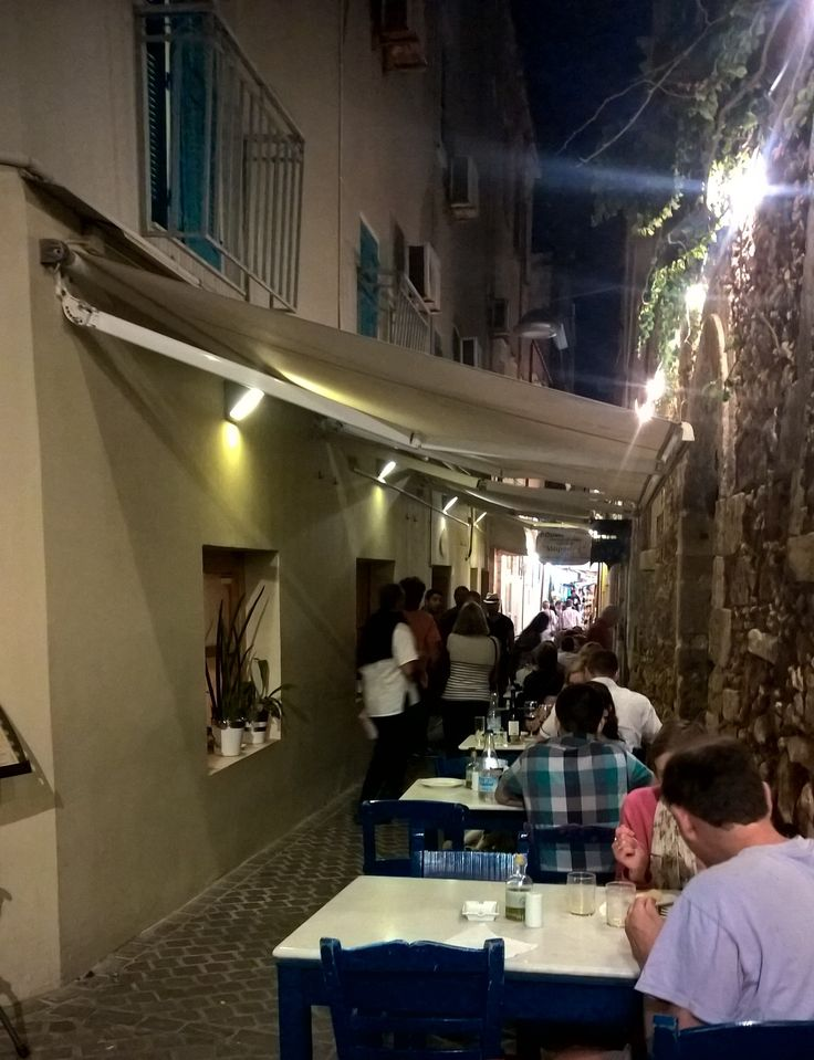 Food adventures in Greece part 2: Tavernas in Chania's Old Town