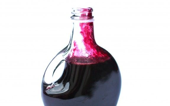 Homemade blueberry syrup. I must make this. I even have blueberries in my freezer.