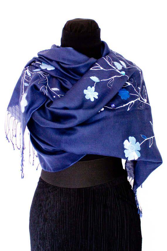 Blu deep headkerchief. Wool worm with  silk flowers. Christmas