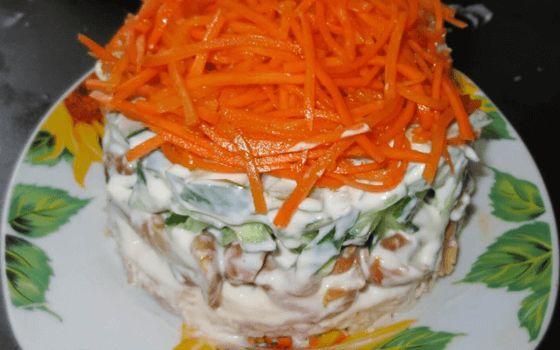 """Салат """"Восторг"""" - рецепт приготовления с фото"""