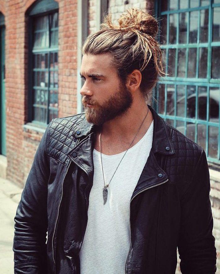 1001 Idees Meche Blonde Pour Homme Une Question De Dosage Cheveux Long Homme Coiffure Homme Long Coiffure Homme Mi Long
