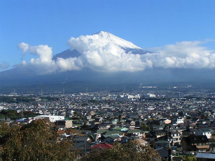 11/12 mt.fuji #japan #shizuoka #fujinomiya #mtfuji #jp_gallery #mountain #富士山 #静岡県 #富士宮市 #今朝の富士山