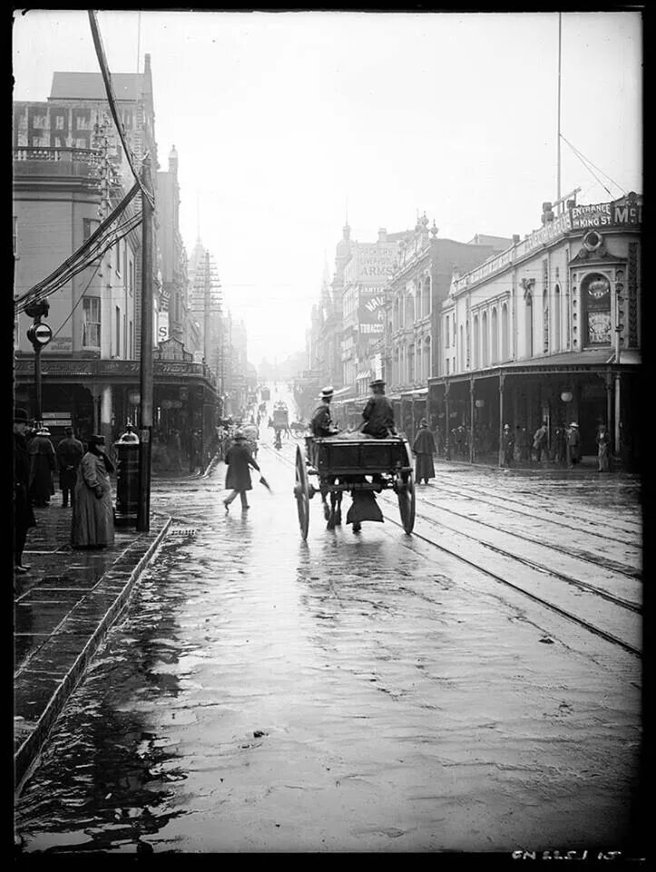 Missed a Tram in the early in Sydney, Australia, there was always the reliable horse and cart to get you their, (Photo undated) v@e