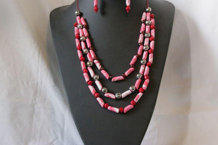 roodwitte sieradenset, Ketting met bijpassende oorhangers van handgemaakte kralen van polymeer klei
