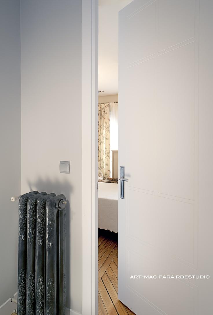 Puertas lacadas dise o rdestudio carpinteria pinterest for Puerta diseno