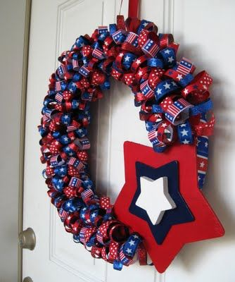 Patriotic ribbon wreath: Crafts Projects Ideas, Wreaths Doors Hangers, July Wreaths, Ribbons Wreaths, Patriots Wreaths, Neat Ideas, Wreaths Ideas, 4Th Wreaths, Flower