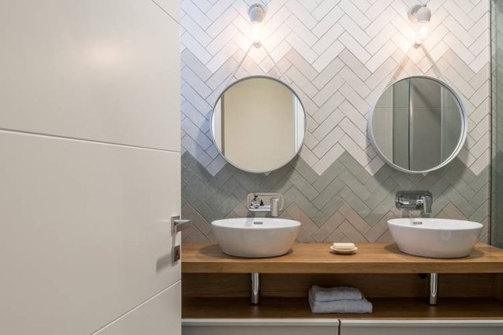 Эта уютная квартира в скандинавском стиле расположилась в греческом городе Trikala. Пространство было спроектировано дизайнерами студии Normless_architecture studio & workplace для молодой пары