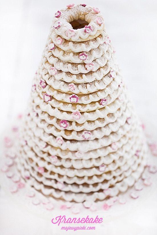 Moje Wypieki | Kransekake - norweskie ciasto świąteczne