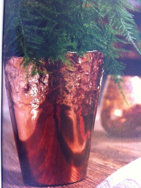 modern inredning #kopparkruka #inredning #trend #kruka #blommor www.home-design.se
