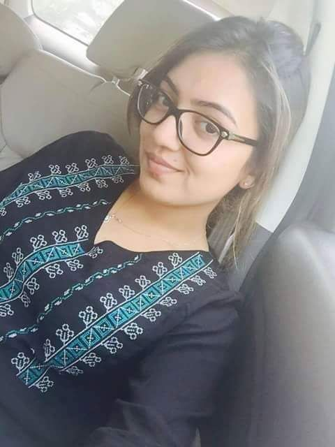 NAZRIYA NAZIM Is Simply Stunning Even With Nude Make-Up & Those Specs Make Her Appear Soooo Erotic & Exotic At Same Time!!
