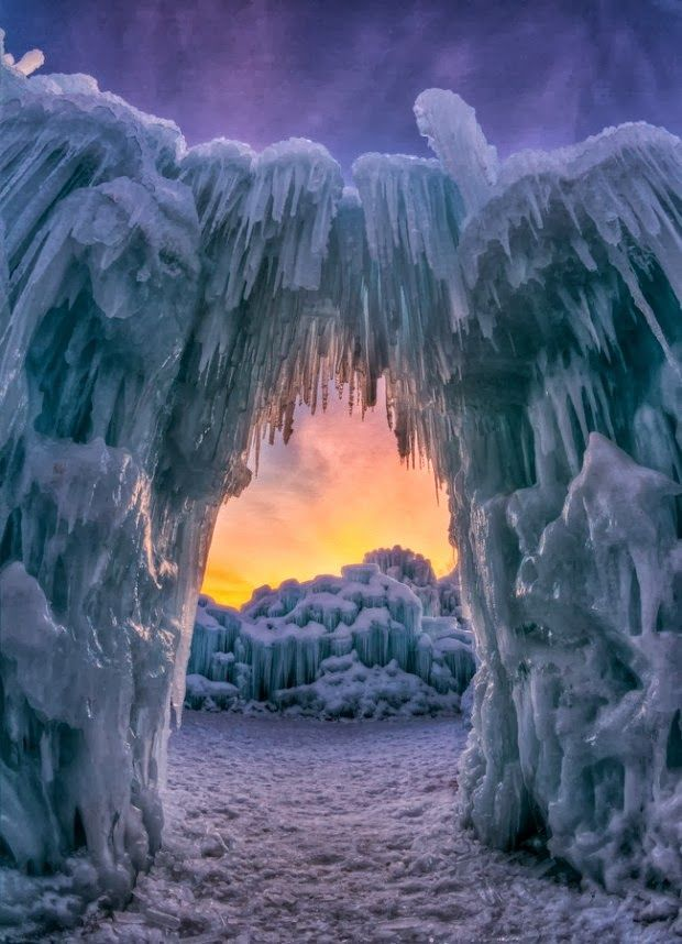 Ice Arch Utah 12 Stunning Photos Of Places Decorated With The Most Beautiful Element Water In