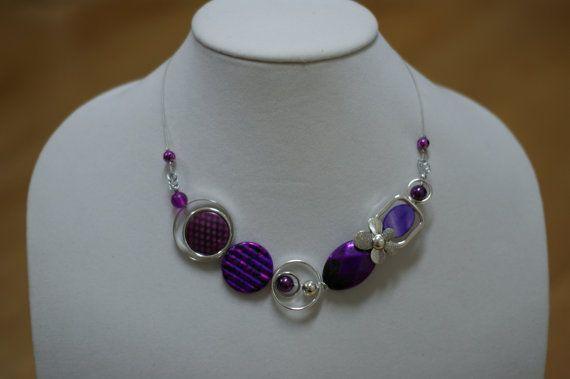 Violet funky collier  pendentif moderne par LesBijouxLibellule, $25.00