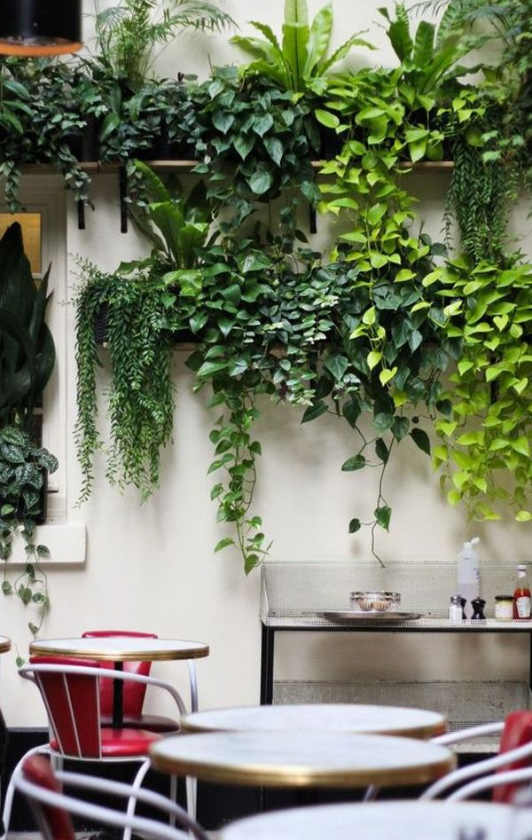 20 Fresh And Modern Green Wall To Your Interiors