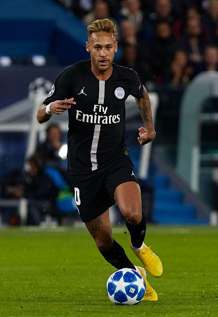 PARIS, FRANCE - OCTOBER 03: Neymar Jr of Paris Saint ...