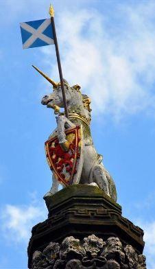 El animal nacional de Escocia es el unicornio.