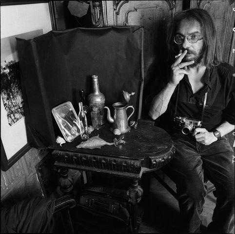 ©Борис Смелов. «Автопортрет с сигаретой. 1993» Посмотреть покрупнее!